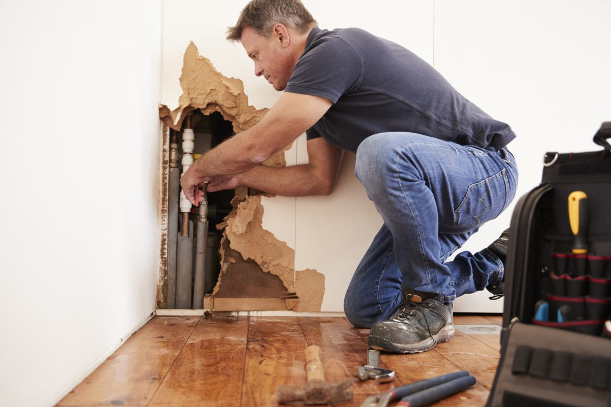 Water Restoration: 5 Key Benefits of Hiring a Water Damage Contractor